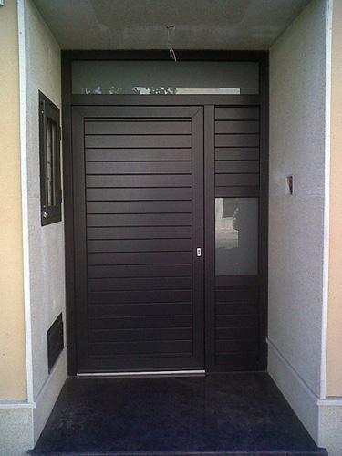 Puertas de entrada aluminios jega for Puertas de tambor modernas